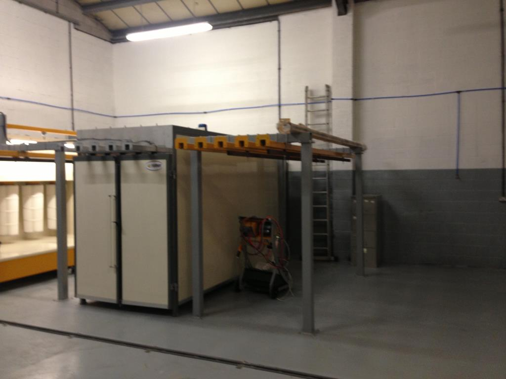 Oven & Spray Booth